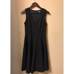 Lulus Black Sleeveless A-line V-neck Dress